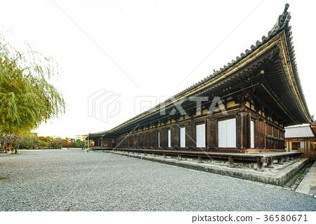 National Treasure Sanjusangendo main hall 36580671