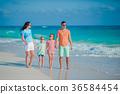 vacation family beach 36584454