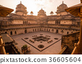 Orchha Palace, interior with courtyard 36605604
