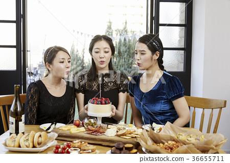 젊은여자,20대, 한국인,크리스마스 36655711