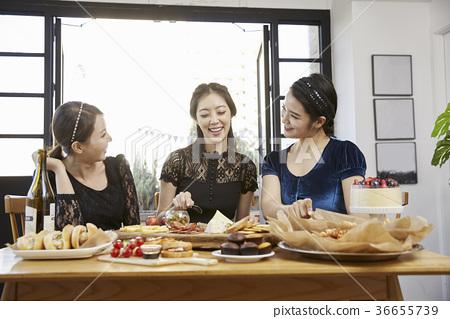 젊은여자,20대, 한국인,크리스마스 36655739