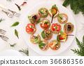 Canapé platter 36686356