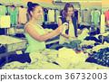 shopping, women, young 36732003