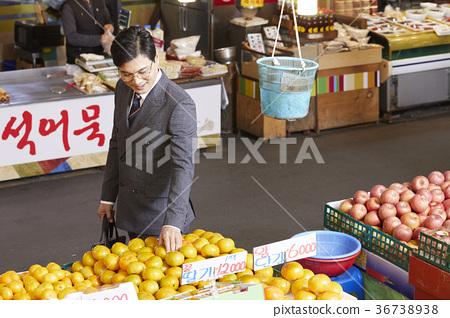 비즈니스맨,시장,장보기 36738938