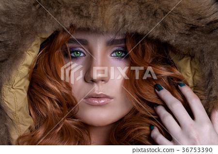 Portrait of a beautiful close-up woman 36753390