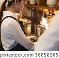 咖啡廳廚房工作人員烹 36858265