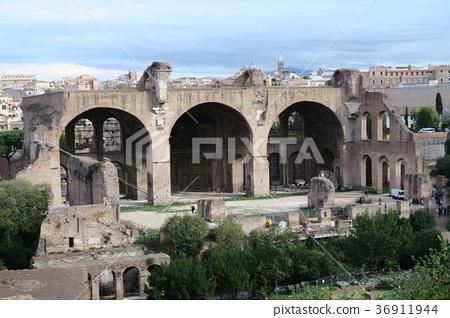 포로 로마노 막센티우스 바실리카 36911944