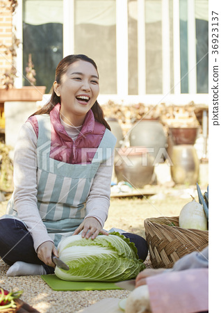어른,여자,김치,김장,생활 36923137