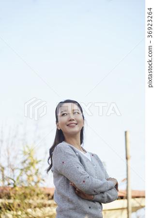 장년,여자,밭,채소,한국 36923264