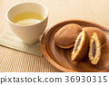 dorayaki, two small pancakes with bean jam in between, wagashi 36930315