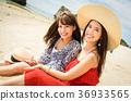 在沖繩旅行的婦女 36933565