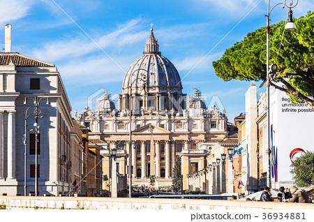 罗马圣彼得大教堂 36934881