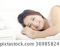젊은여자, 눕기, 편안함 36985824