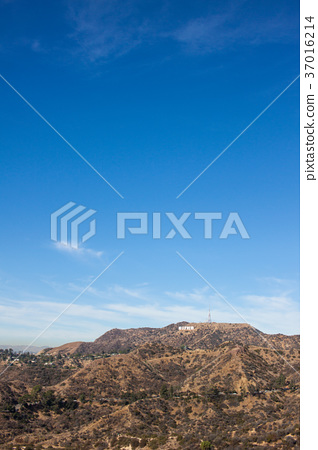 Hollywood Sign from Griffith Observatory: Griffith Observatory 37016214