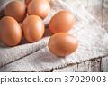 fresh brown eggs 37029003