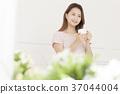 젊은여자, 커피, 기상 37044004