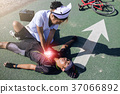 Female nurse helping Emergency CRP  37066892
