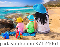 family, beach, coast 37124061