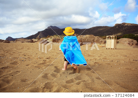 Little boy running on the beach of Crete, Greece 37124084