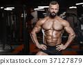 胸部 健身房 男性 37127879