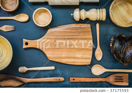 Kitchen utensils 37175593