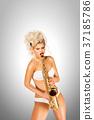 saxophone jazz play 37185786