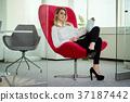 女人 女性 办公室 37187442