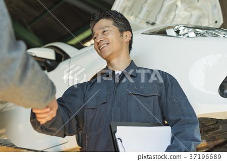 자동차 정비사 중동 남성 37196689