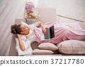 睡觉 女人 女性 37217780
