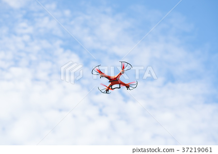 Flying drone 37219061