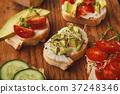 bruschetta, vegetarian, sandwich 37248346