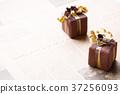礼物 送礼 展示 37256093