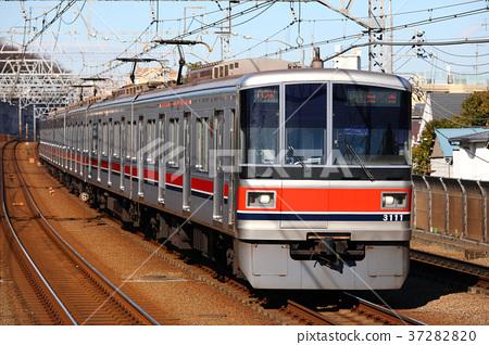 Tokyu Series 3000 train Meguro line 37282820