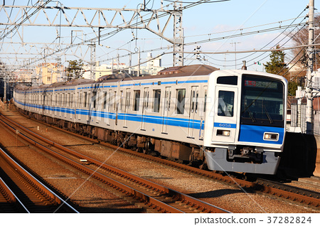 Seibu 6000 Series Train Express To Motomachi / Chinatown 37282824