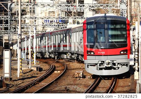 Tobu Series 70000 train 37282825