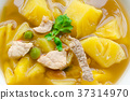 Pork with pineapple soup 37314970