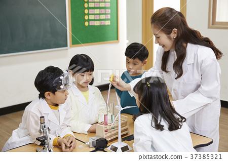 小學生,老師,韓國人 37385321