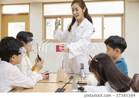 초등학생,교사,한국인 37385384
