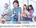 显微镜 学校 儿童 37400105