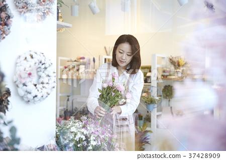Florist, florist, young woman, korean 37428909