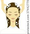 一个洗发水的女人 37442770