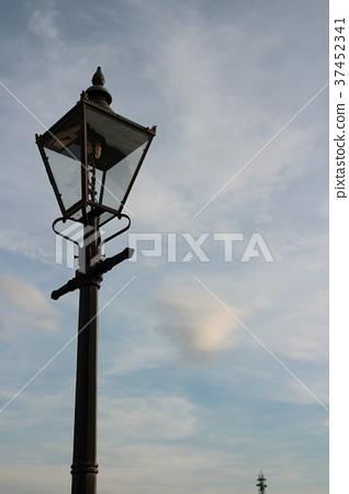 Street lights and sky 37452341