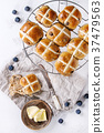 Hot cross buns 37479563