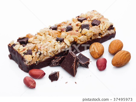 Chocolate protein cereal energy bar with almonds 37495973