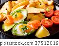 avocado, stuffed, eggs 37512019