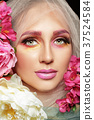 woman with flower make up 37524584