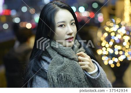 서울 명동 밤거리 37542934
