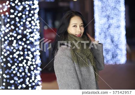 서울 명동 밤거리 37542957
