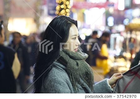 서울 명동 밤거리 37542970