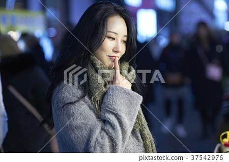 서울 명동 밤거리 37542976